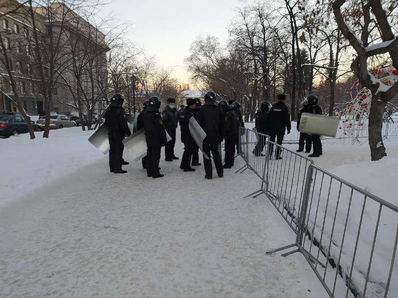 фото Оцепление выставили на центральной площади Новосибирска 2 февраля 2