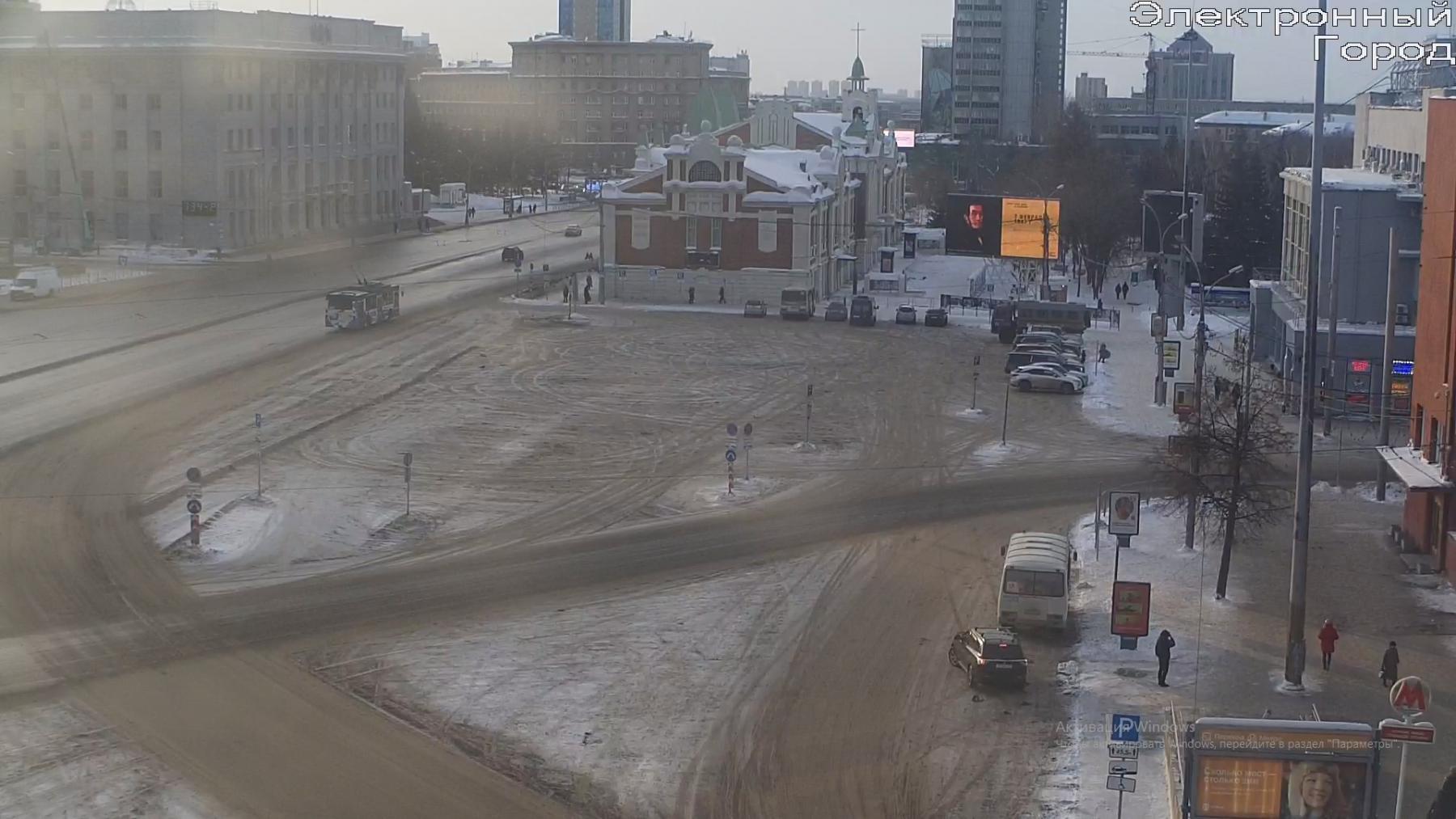 фото Заборы и автозаки: в Новосибирске снова оцепили центр города 2