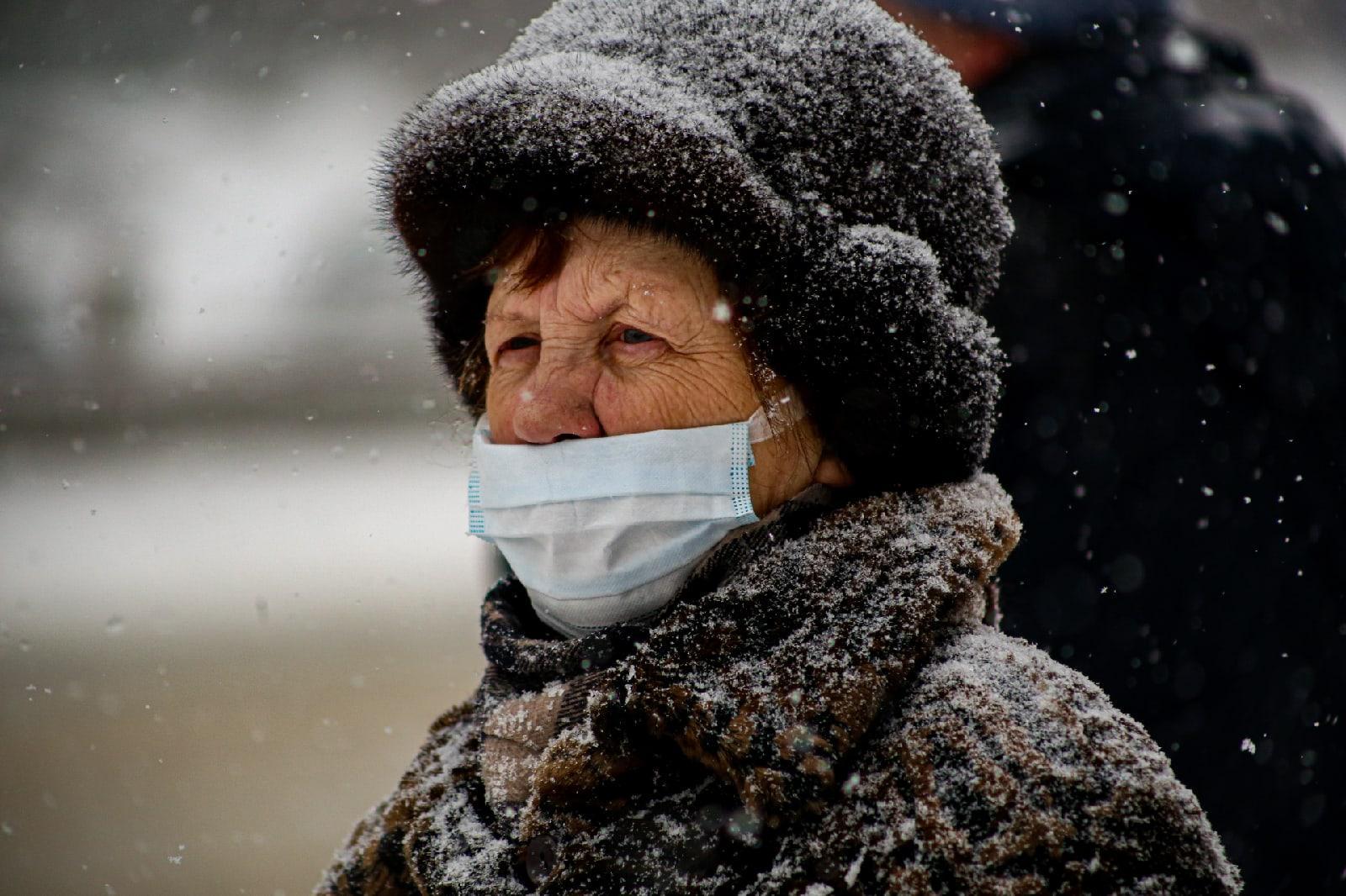 фото Выключите снег: метели с сильным ветром обрушились на Новосибирск 8 февраля 6