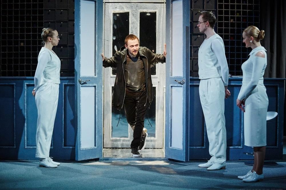 фото Афиша Новосибирска: премьеры кино и театральной сцены с 18 февраля по 3 марта 9
