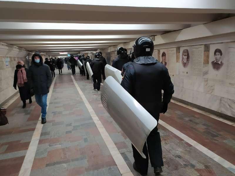 фото Оцепление выставили на центральной площади Новосибирска 2 февраля 3
