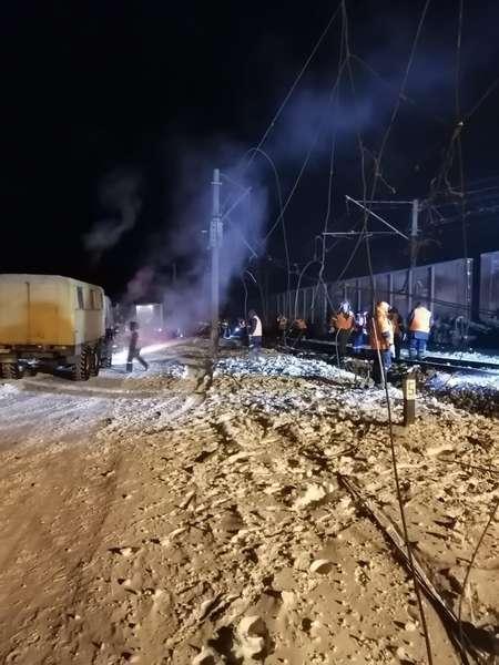 Фото Вагоны сошли с рельсов в Омской области: фото с места ЧП 4