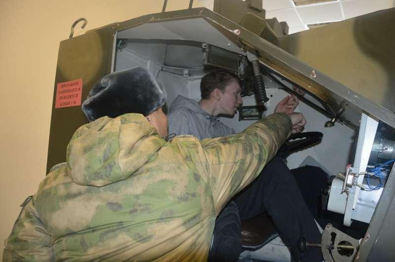 Фото Омские допризывники приняли участие в «Армейском квесте» - фото 2
