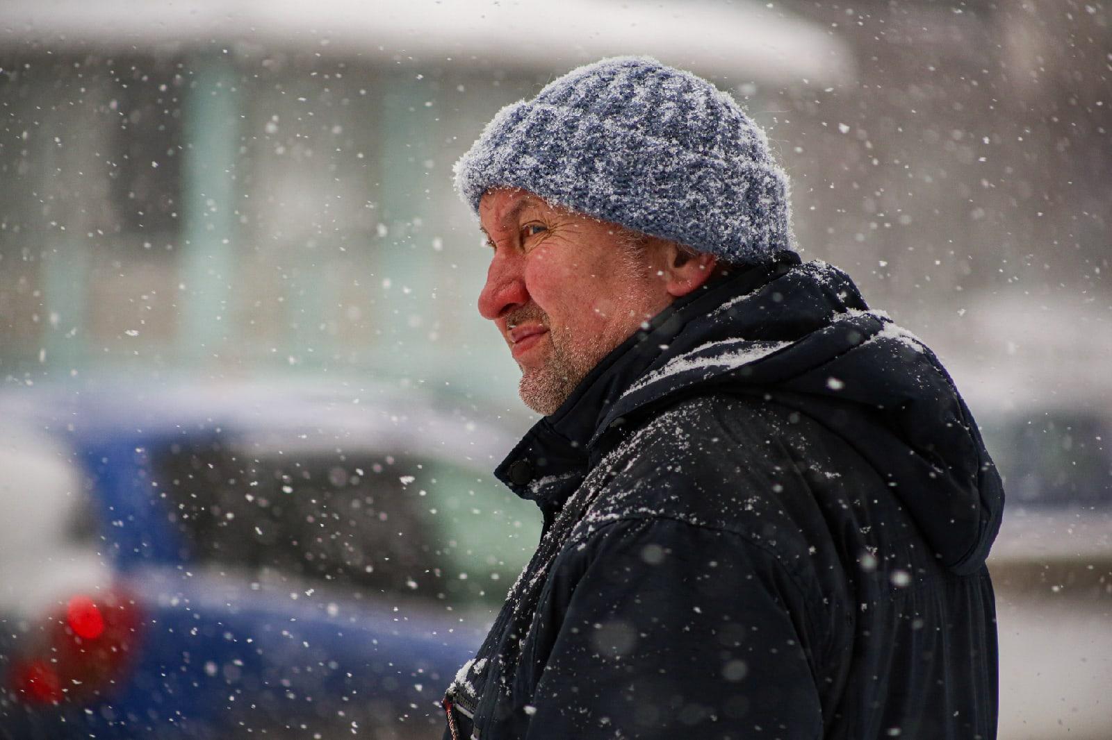 фото Выключите снег: метели с сильным ветром обрушились на Новосибирск 8 февраля 8