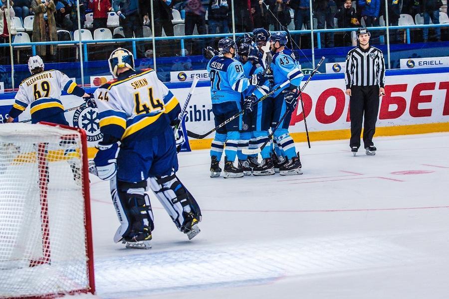 «Сибирь» одержала вторую победу подряд вдомашнем матче