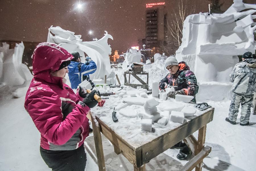 фото «Ночных ведьм» выбрал мэр Новосибирска: в столице завершился фестиваль снежных скульптур 4