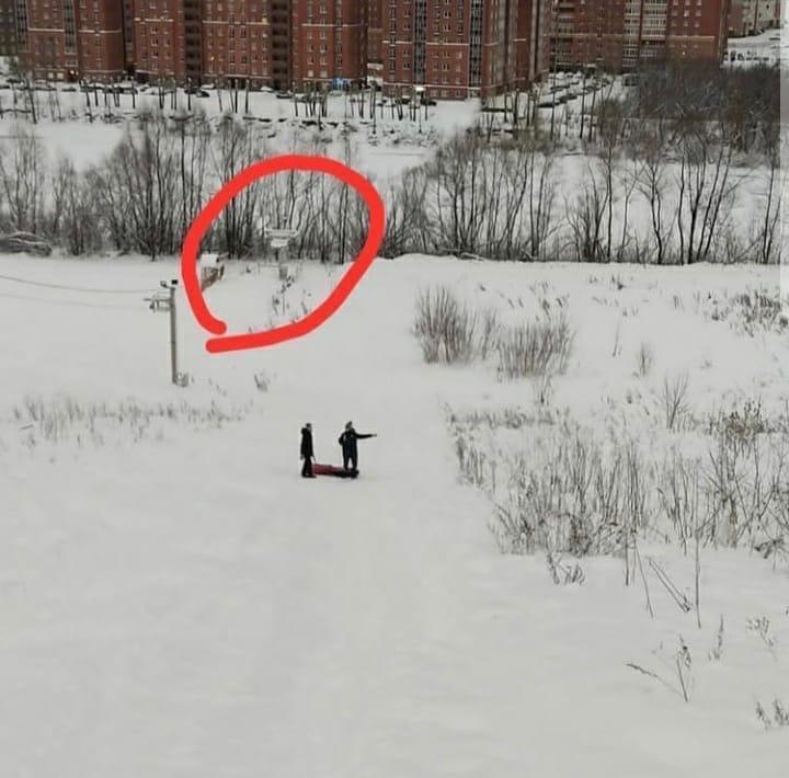 фото Зимние забавы, которые закончились трагедиями: жуткие истории гибели детей и взрослых при катании с горок 4