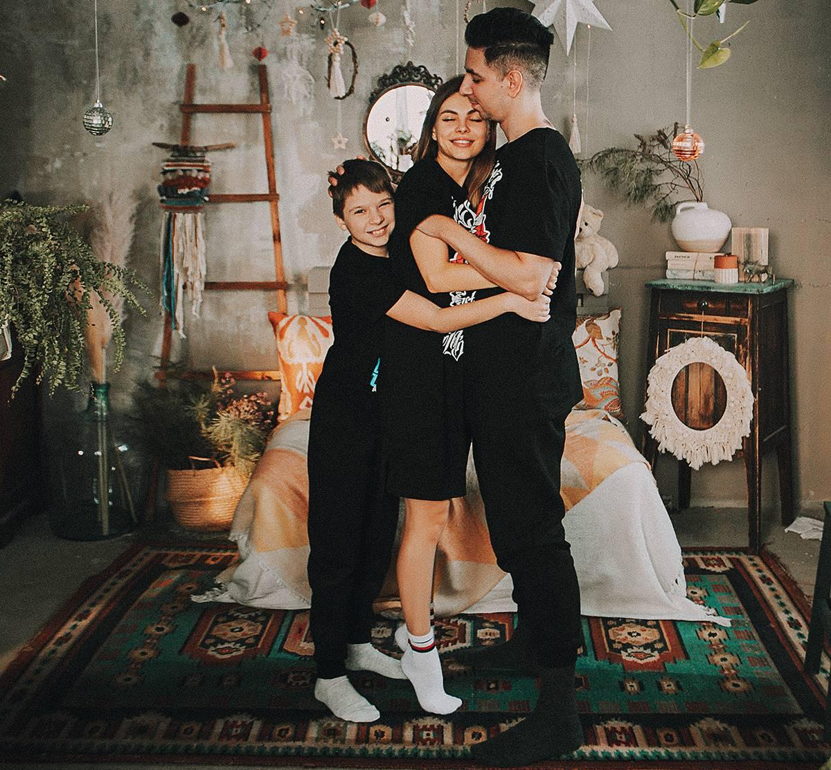 фото Секс-бомба, моржиха, мать: как модель из Кузбасса разделась для журнала «Максим» и зачем муж сторожит её возле проруби 7