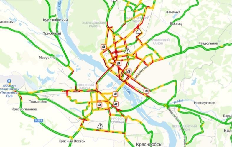 фото Десятки аварий и месиво на дорогах: смотрим на пробки в Новосибирске в 17:00 2