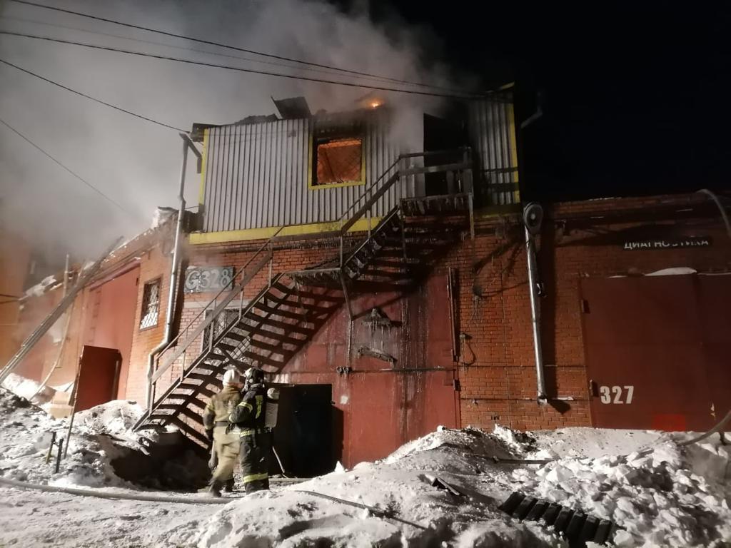 фото Двадцать одна жертва пожаров: почему в Новосибирской области полыхают дома и люди гибнут в огне 2