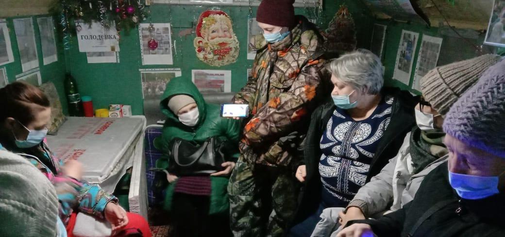фото Избиение ребёнка, очереди на вакцинацию и поход дольщиков на Москву: главные события выходных 4