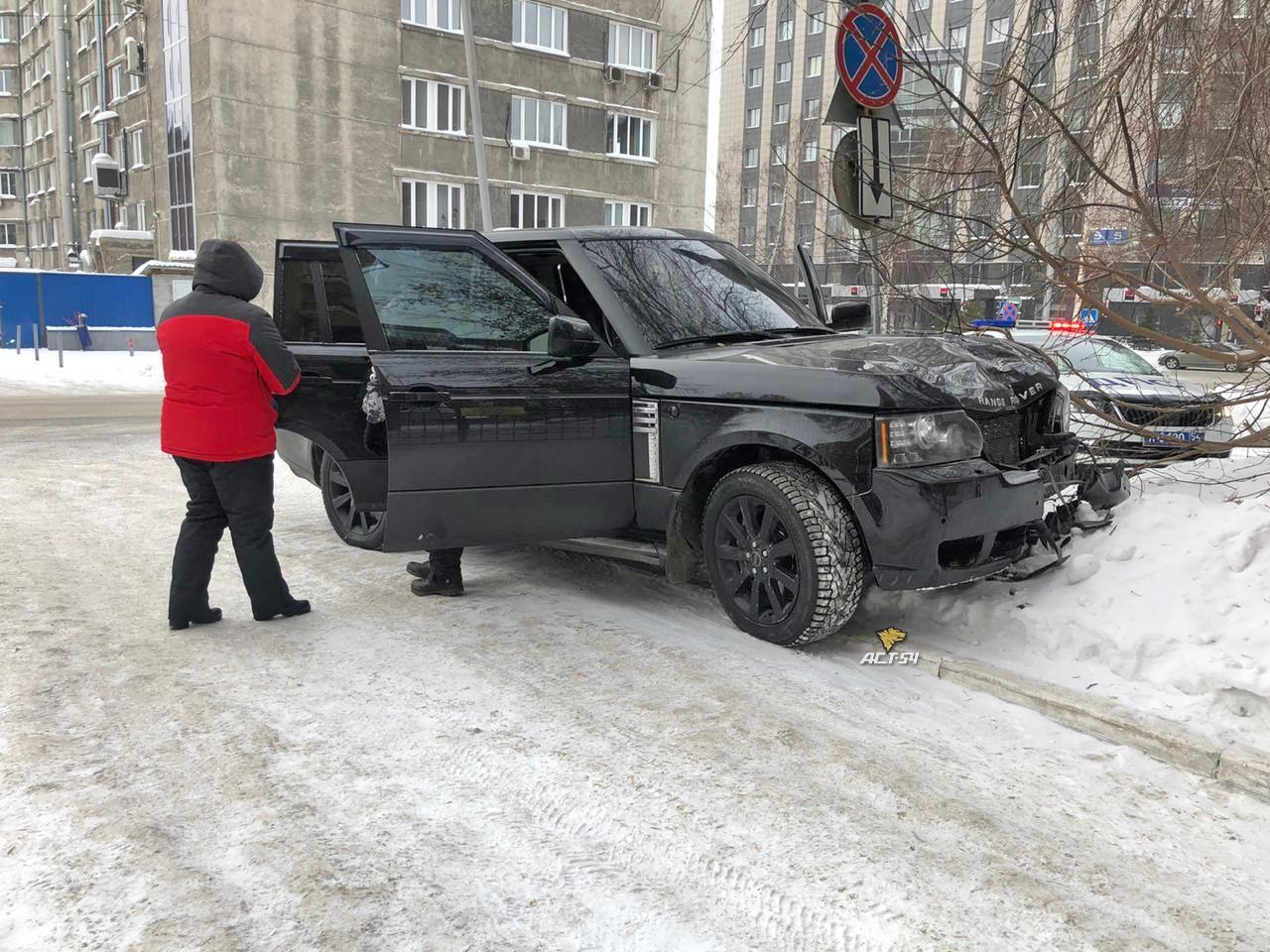 Фото Range Rover-убийца: все подробности смертельного ДТП в Новосибирске 3