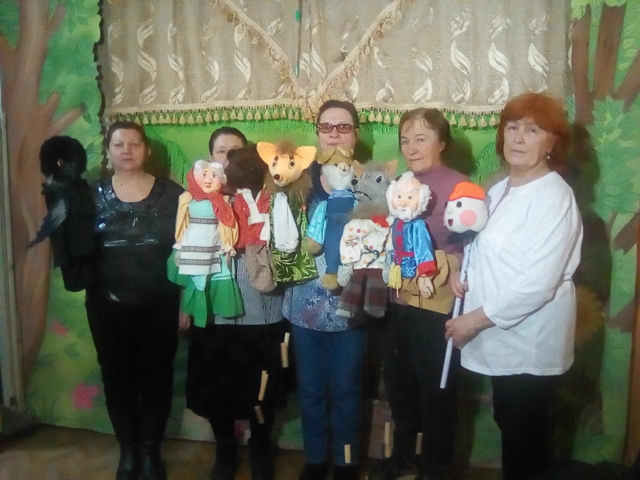 Фото Повелитель  бабы Яги и укротитель чёрной Вороны: мастер-кукольник под Новосибирском создаёт игрушки для театра инвалидов 5