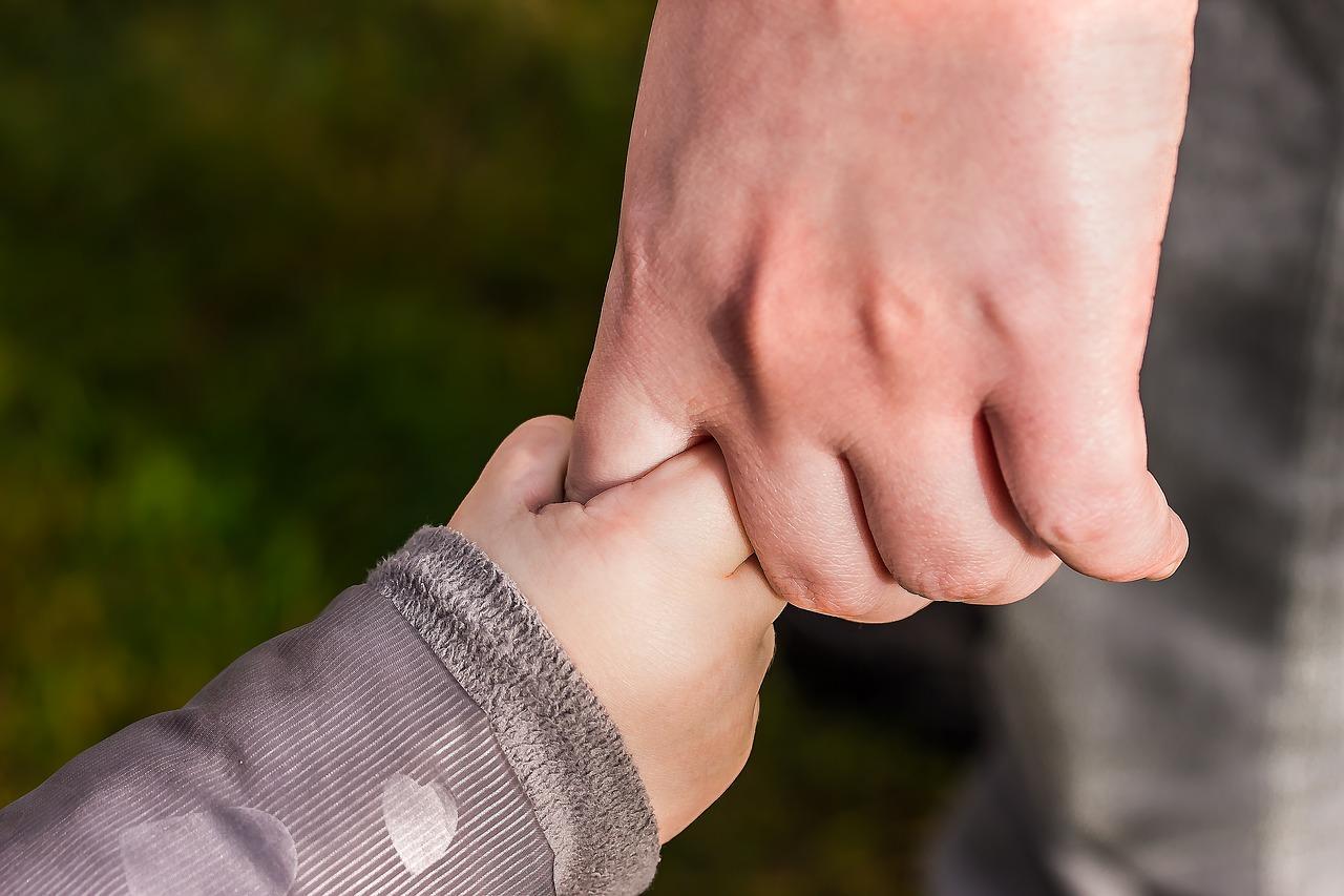 Фото «Обвиняют за то, что не отдаю в приют»: сибиряк рассказал, почему прячет 8-летнего сына от судебных приставов 3