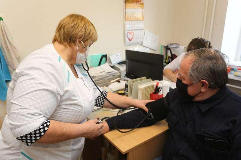 Фото «Звонили каждый день»: настойчивые пенсионеры первыми получили прививку от коронавируса в Мошково 5