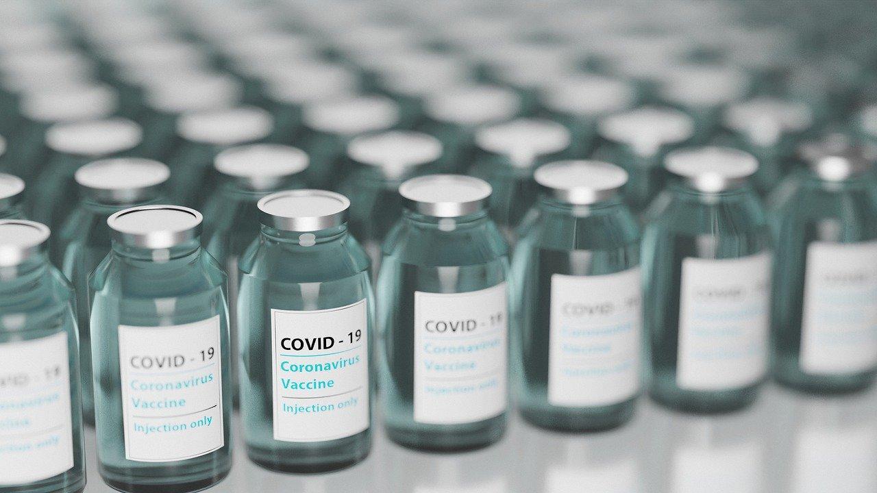 фото Коронавирус в России: последние новости о COVID-19 к 27 января 2021 г. – когда появится третья вакцина, а если рак и увольнение учителей за прививку 3