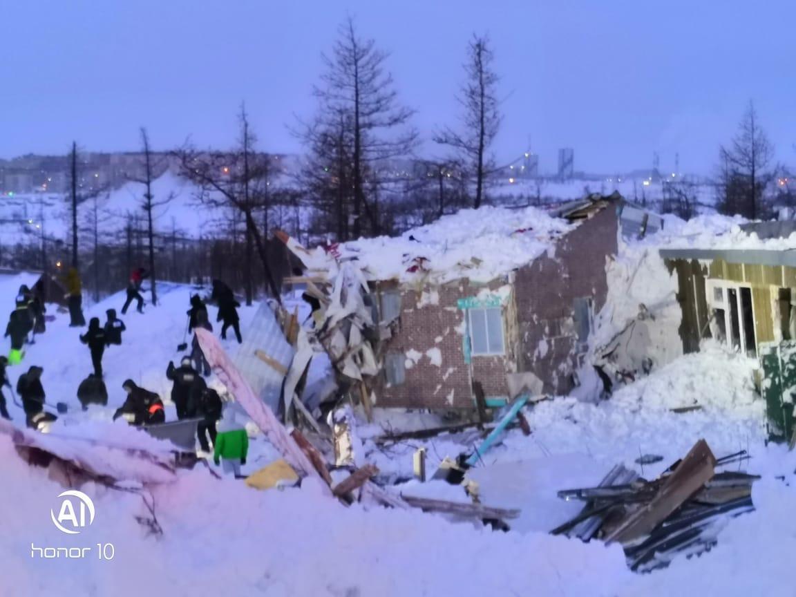 фото Стали известны личности погибших под лавиной в Норильске 2