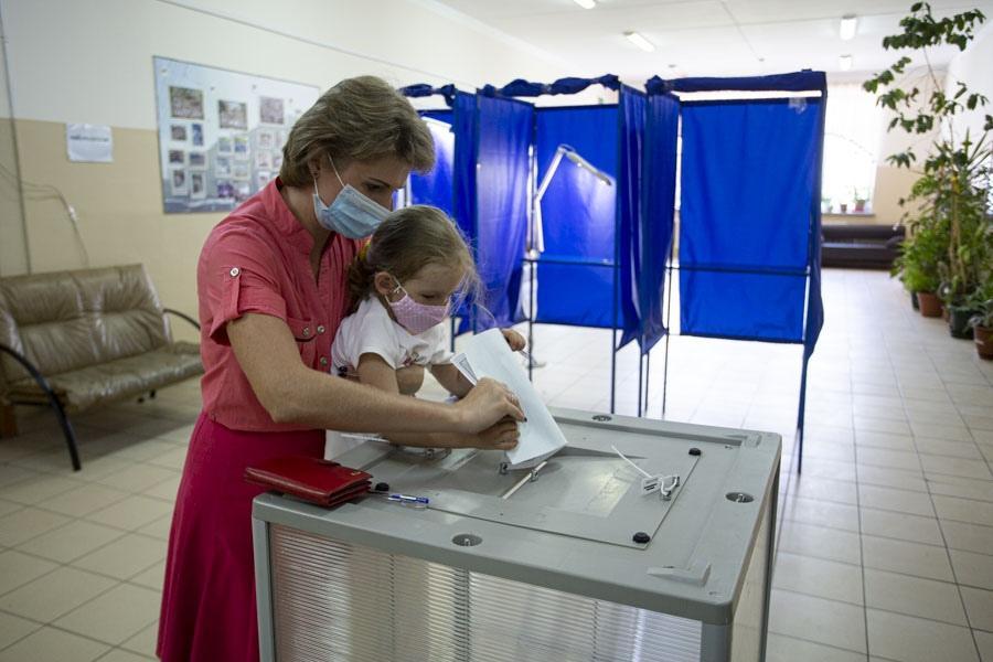 фото Рекордная явка на голосовании по Конституции зарегистрирована в Туве 2