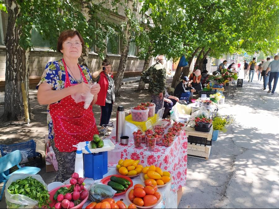 фото Не стесняйтесь торговаться: где и за сколько купить ягоды в Новосибирске - обзор цен 4
