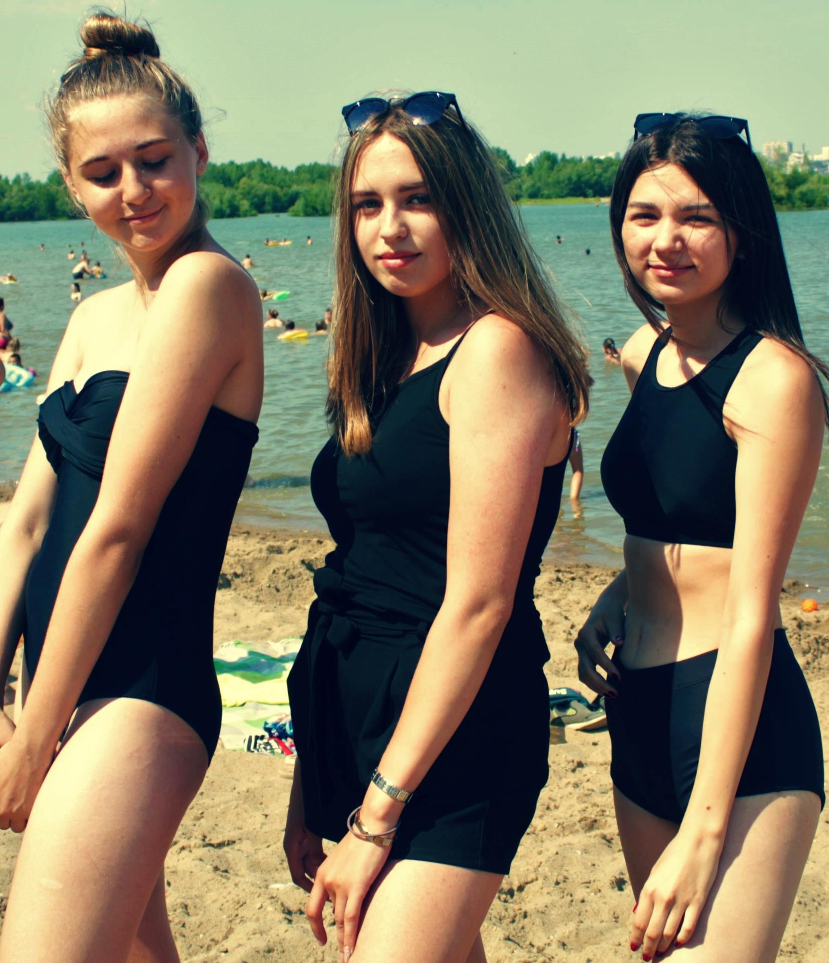 фото Лето, пляж, красотки: подборка самых горячих девушек на пляже Новосибирска 4