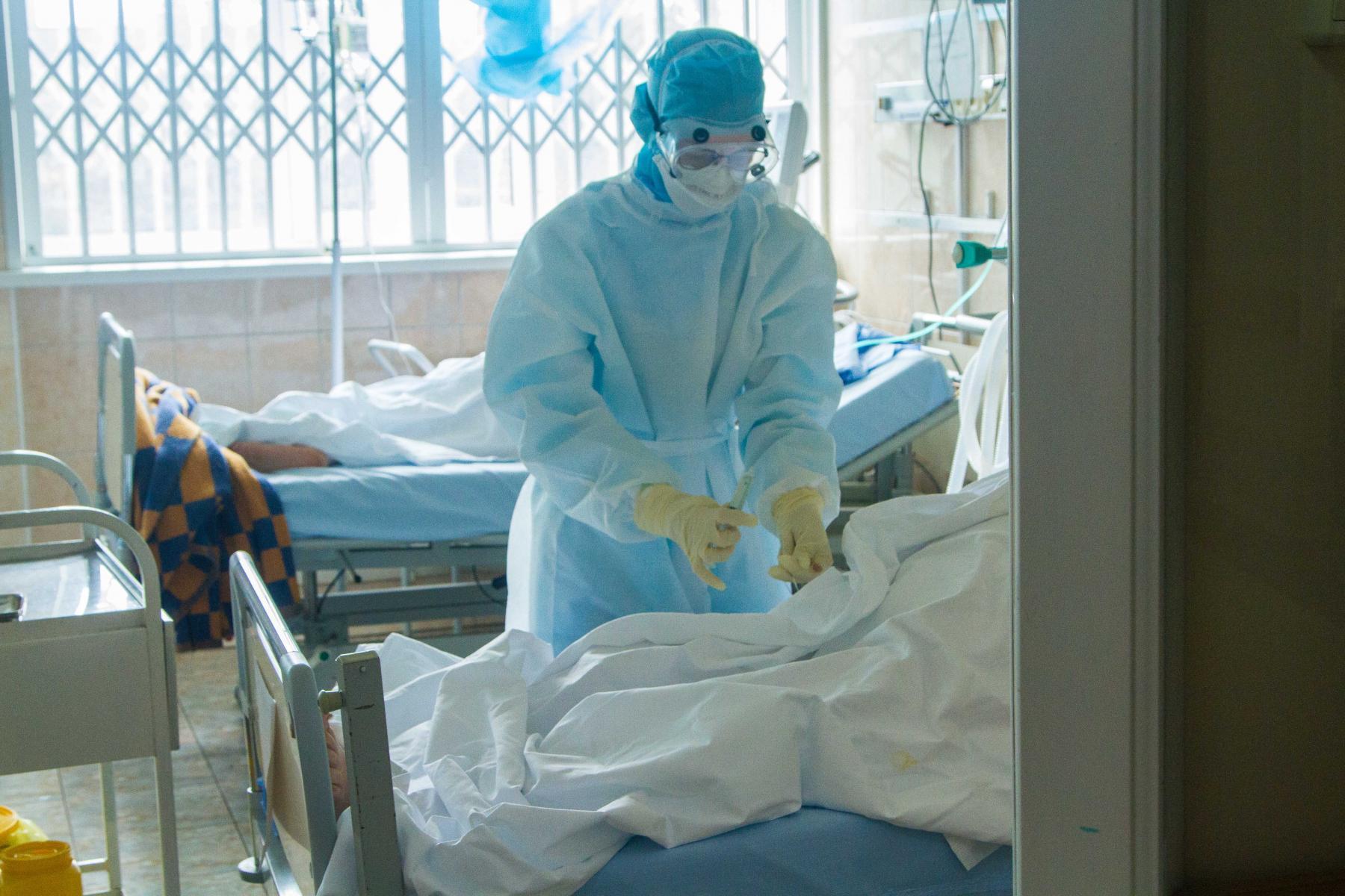 Фото Рекордная смертность от коронавируса в Новосибирске: за месяц погибли больше 100 человек 2