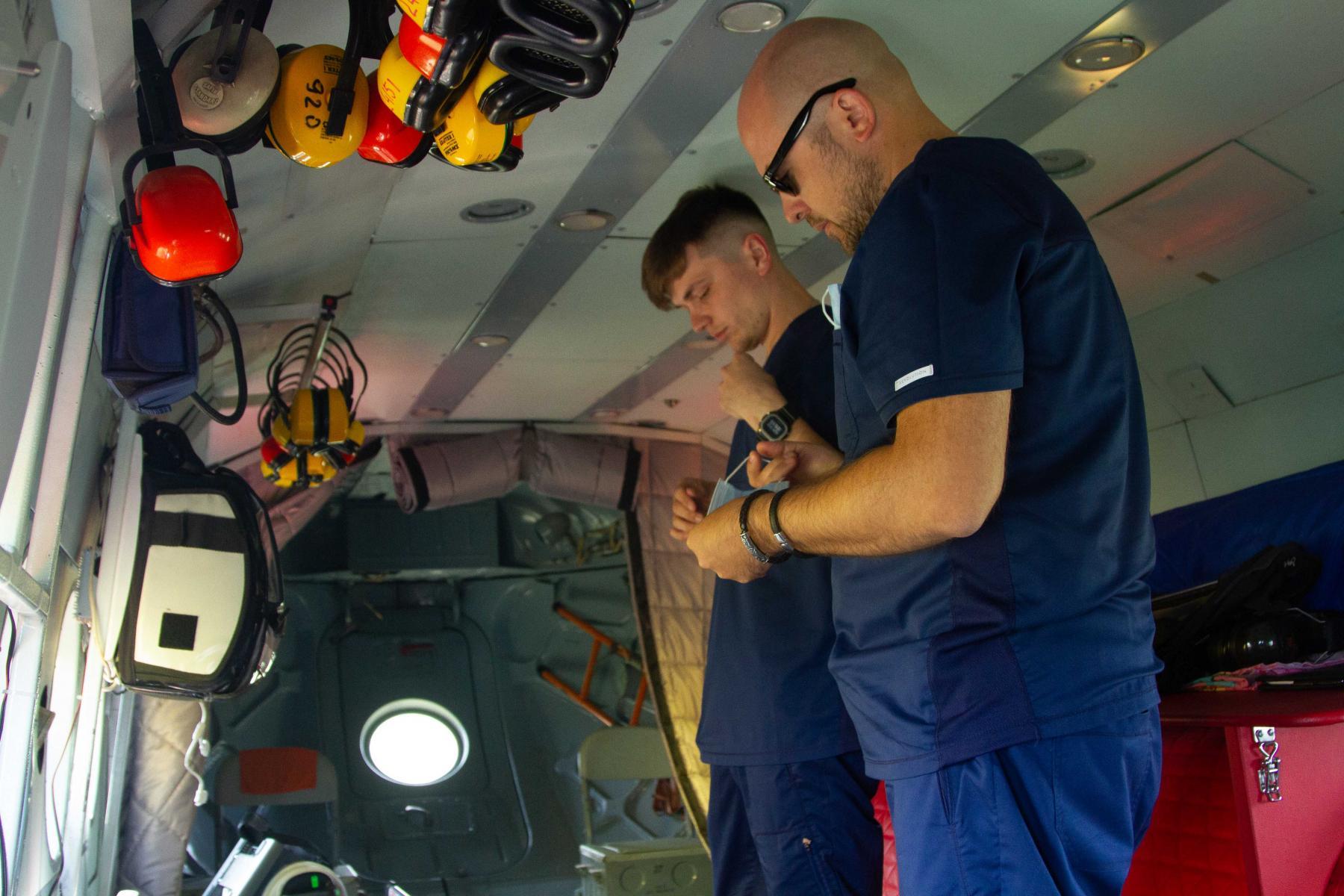 Фото Экстренный вылет: корреспондент Сиб.фм провёл смену с авиамедицинской бригадой 6