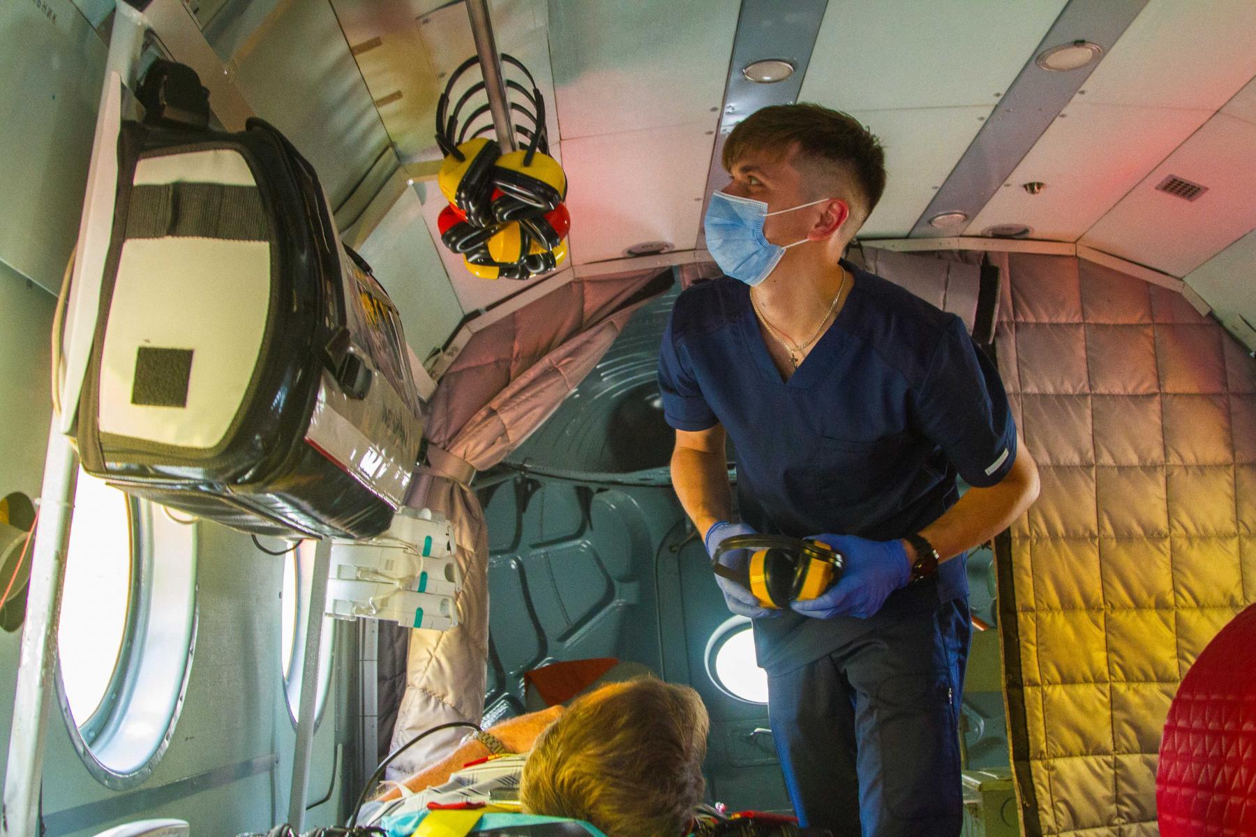 Фото Экстренный вылет: корреспондент Сиб.фм провёл смену с авиамедицинской бригадой 20