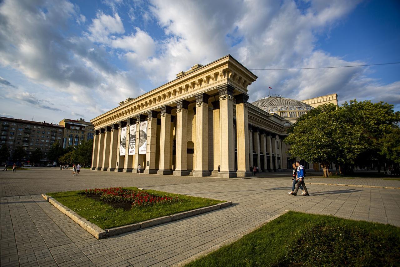 Фото Салют и световое шоу: в Новосибирске отпразднуют присвоение Новосибирску почётного звания 2