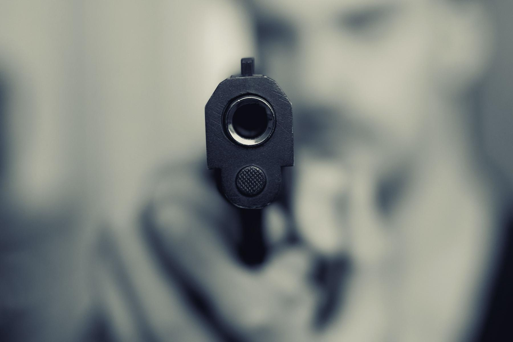 фото С ножом и пистолетом: пассажиры напали на таксиста в Забайкалье 2