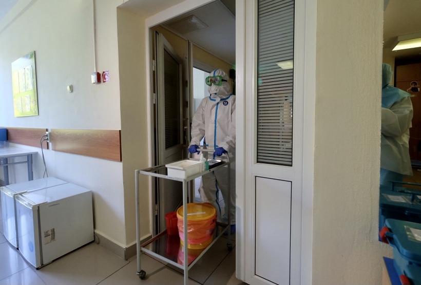 Фото «Страшно засипел и весь покраснел – ему не хватало воздуха»: жительницы Новосибирска рассказали, как болели коронавирусом их грудные дети 5