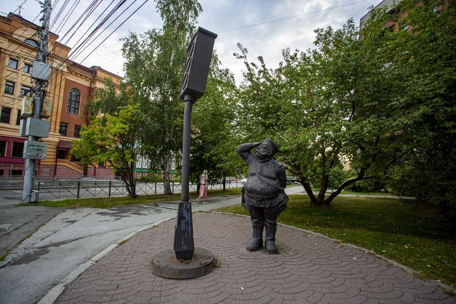 фото Самые нелюбимые памятники Новосибирска – чем они не угодили горожанам 7