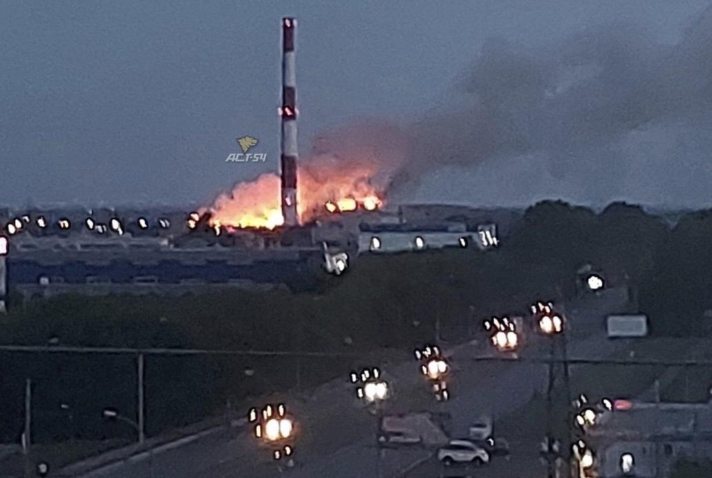 фото Дым от горящей свалки накрыл жилые дома на левом берегу Новосибирска 2