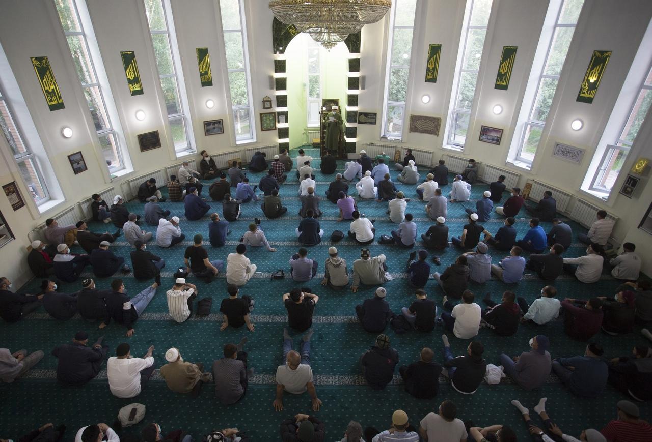 фото Молитва на рассвете и жертвенный баран: как отмечают Курбан-байрам в Новосибирске 5