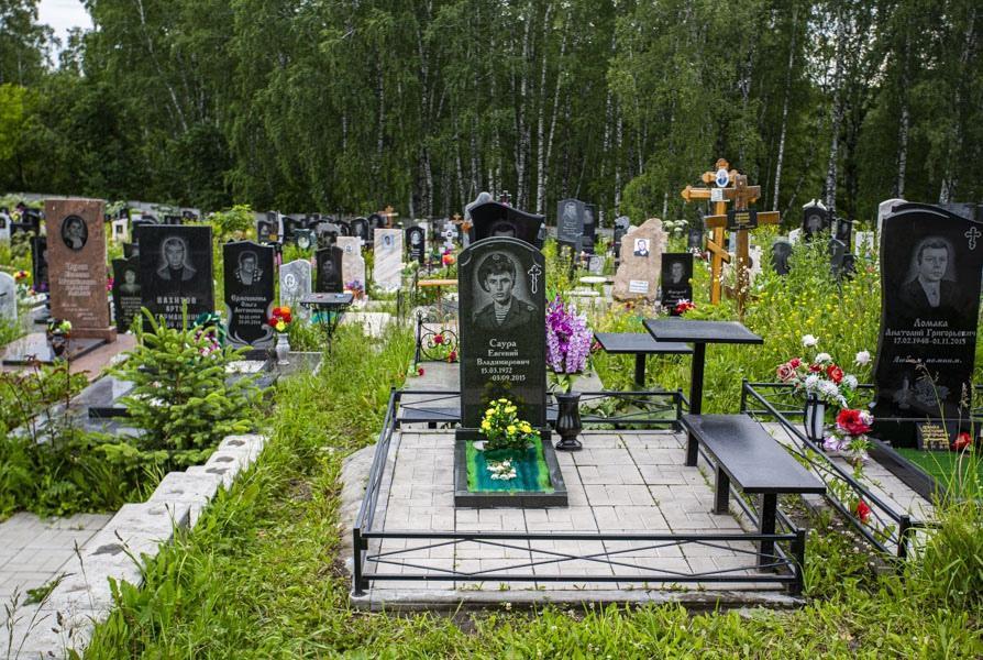 Фото «Морги переполнены, пашем не покладая рук»: откровения ритуальщика о смертности на фоне третьей волны COVID-19 в Новосибирске 3