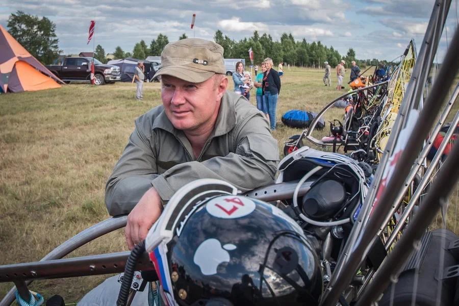Фото «Погода хорошая, а летать не дают»: как проходит Всероссийский чемпионат сверхлёгкой авиации под Новосибирском 7