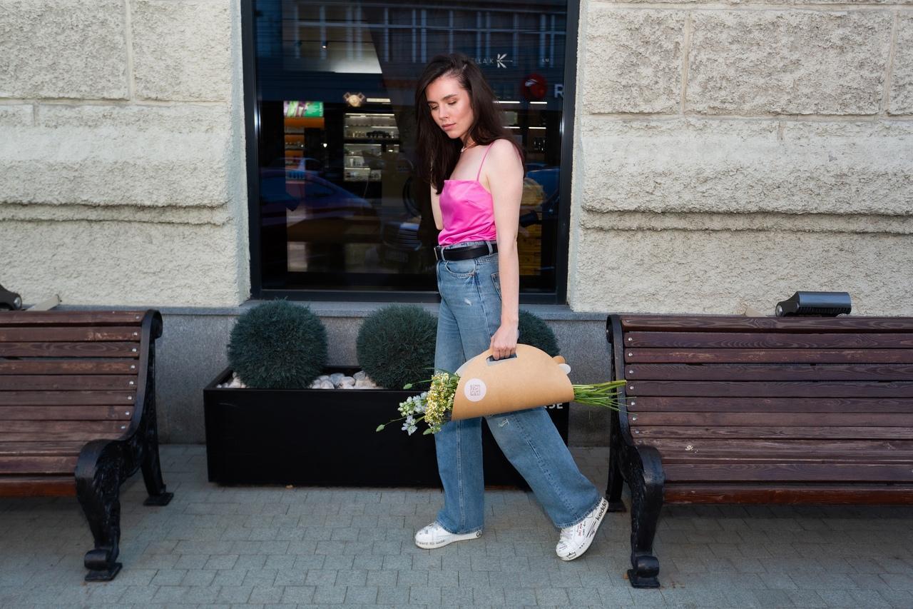 Фото «Запомнит женщина явно не пионы, подаренные в сезон пионов»: флорист из Новосибирска – о моде на полевые цветы и букеты без повода 3