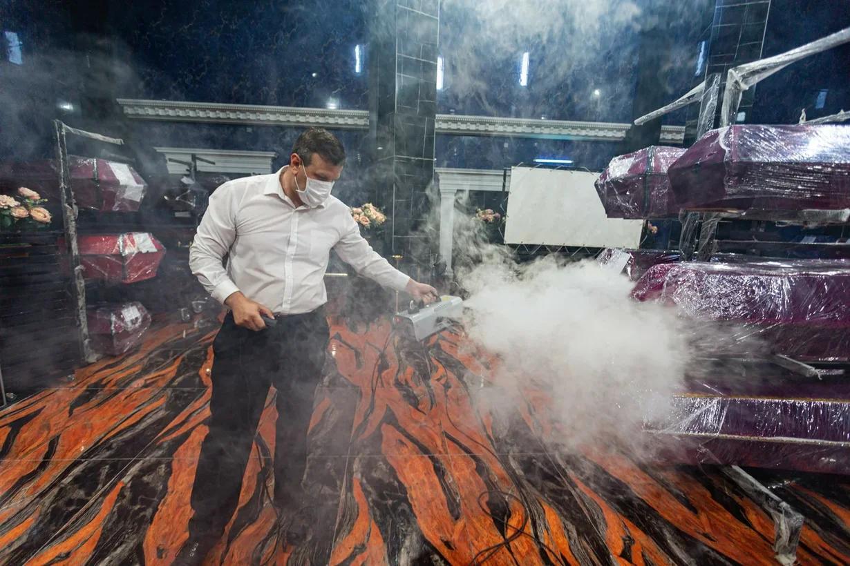 Фото «Мы превратились в завод»: как крематорий «Некрополь» работает в третью волну коронавируса в Новосибирске 9