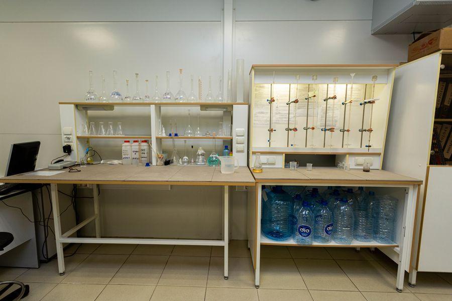 Фото Формула успеха: H2O. Как в Новосибирске следят за качеством бутилированной воды 2