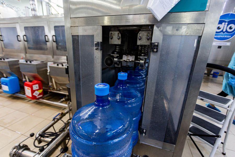 Фото Формула успеха: H2O. Как в Новосибирске следят за качеством бутилированной воды 9