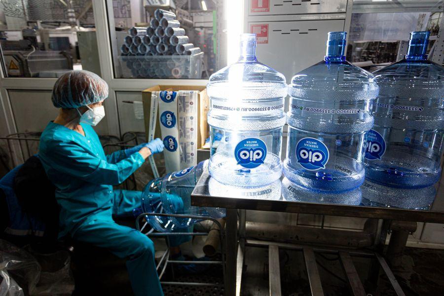 Фото Формула успеха: H2O. Как в Новосибирске следят за качеством бутилированной воды 12
