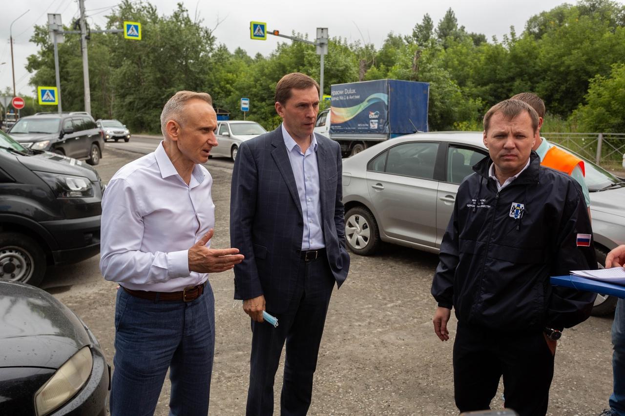фото Депутаты взяли на контроль ремонт дорог и дворов в Новосибирске 5