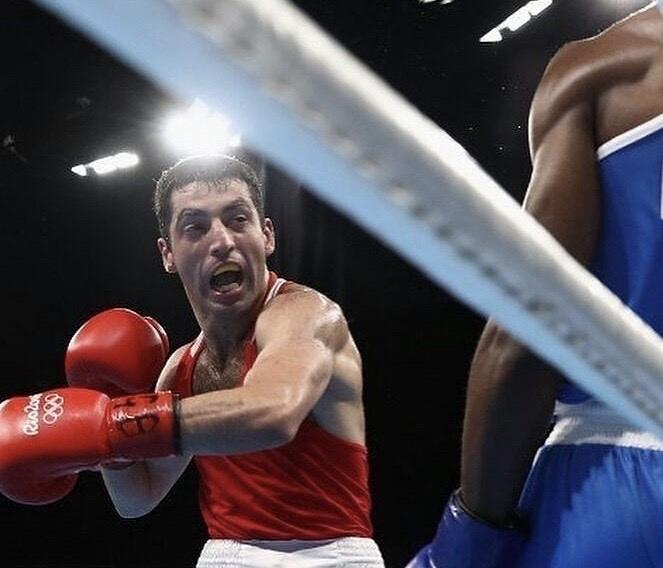 фото «Соперник – нокаутёр, бой будет интересный»: новосибирский боксёр Михаил Алоян рассказал о предстоящем поединке в Москве 4