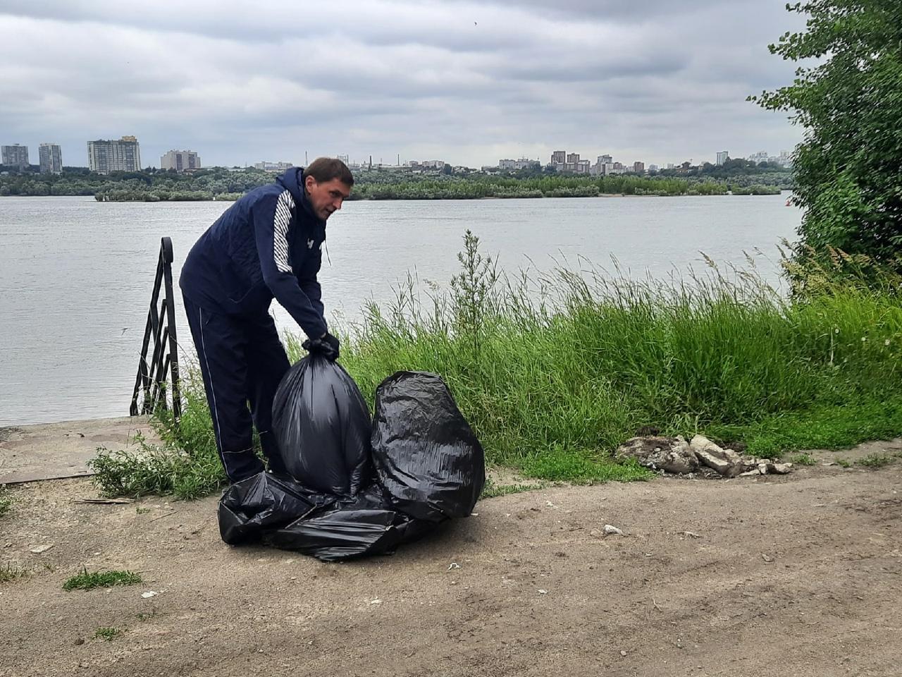 фото Активисты очистили левый берег Оби от мусора в Новосибирске 2