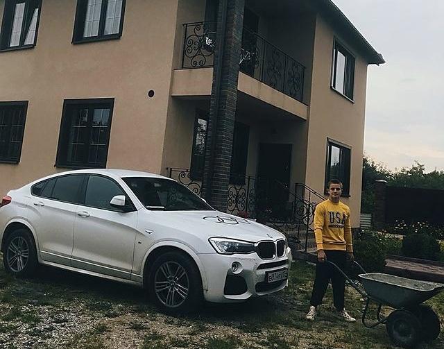 Фото Audi A6 Михаила Алояна, BMW X6 Романа Власова и BMW X3 Любови Шутовой: какие машины дарили чемпионам Олимпийских игр из Новосибирска 10