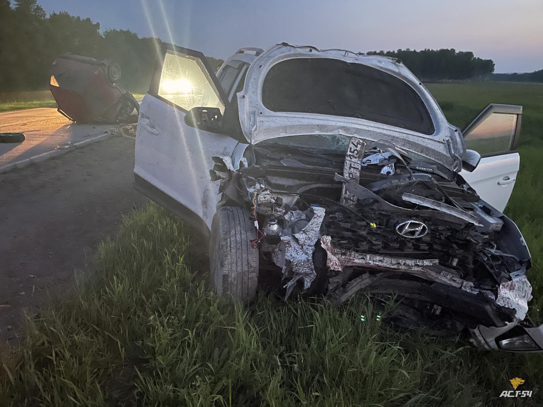 Фото Водитель «Оки» погиб в ДТП с кроссовером Hyundai на трассе под Новосибирском 3