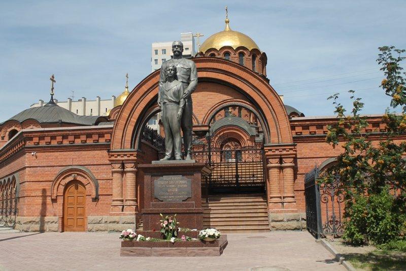 фото Самые нелюбимые памятники Новосибирска – чем они не угодили горожанам 6