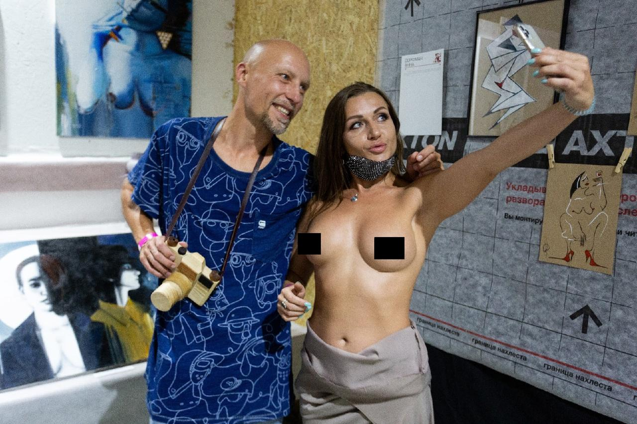 фото «Не пошло, а с любовью»: что показывают на выставке эротического искусства в Новосибирске 8