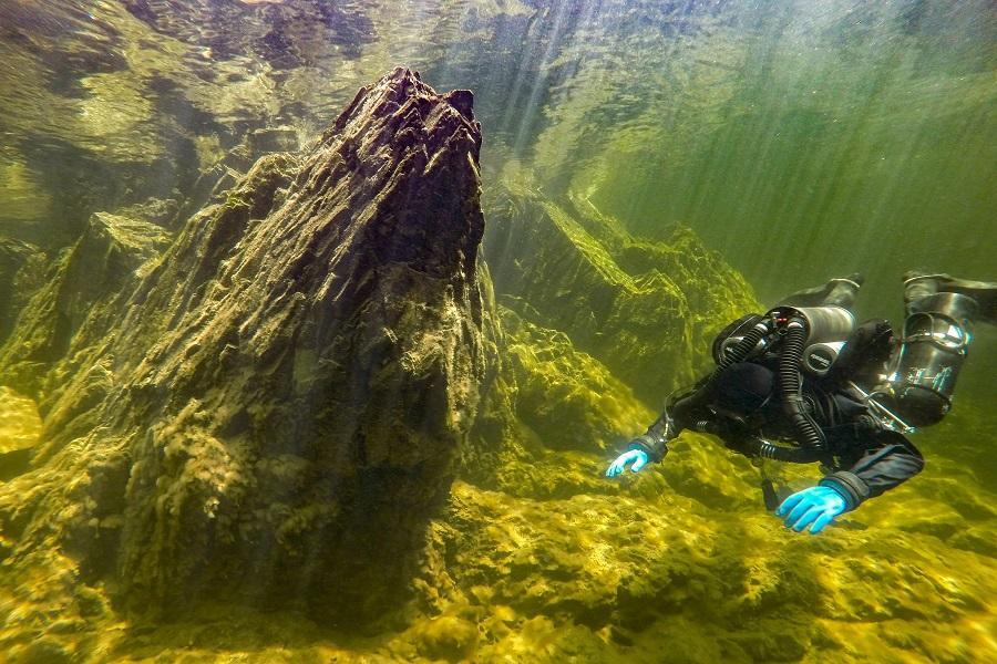 фото Бездну Телецкого озера показали дайверы 2