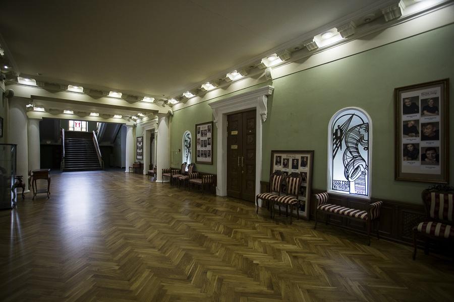 Фото Отложенный юбилей «Красного факела»: один из лучших новосибирских театров ждёт возвращения зрителей 15