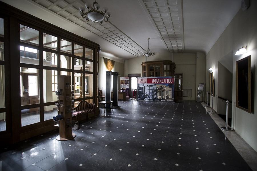 Фото Отложенный юбилей «Красного факела»: один из лучших новосибирских театров ждёт возвращения зрителей 4